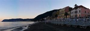 panorama di Alassio al tramonto